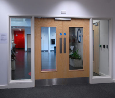 Oxford-Academy_Fire-door-safety-glass-scaled